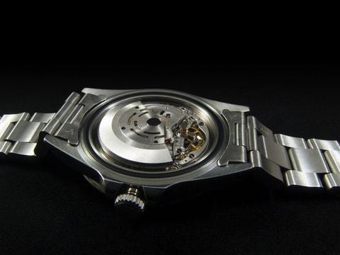 silver-round-watch