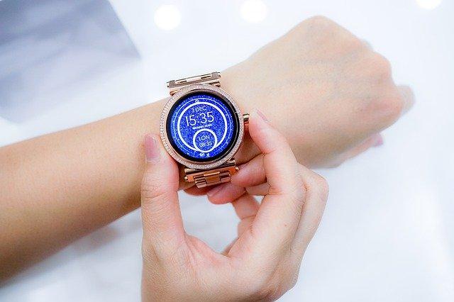 woman wearing a wristwatch