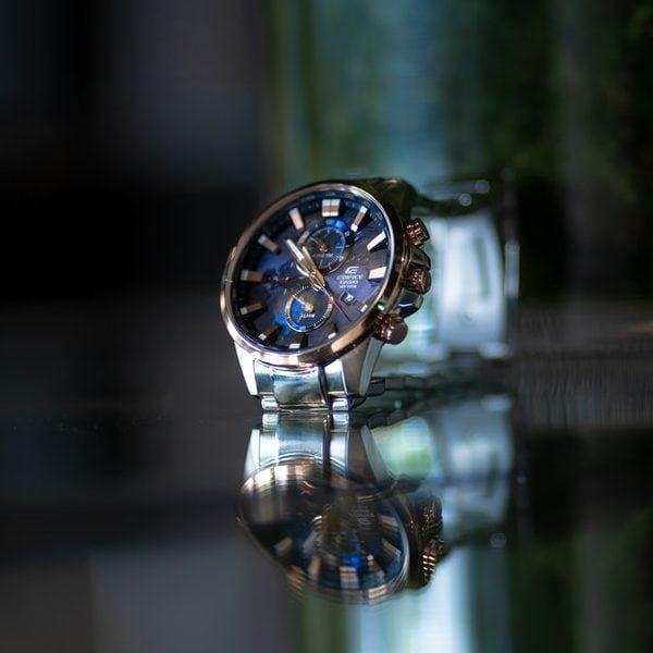 round silver watch